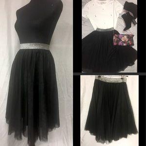Dresses & Skirts - NWT Black Tulle Skirt Midi w/ Metallic Waistband